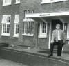 Villa Bouwhuis met oud directeur Heeringa