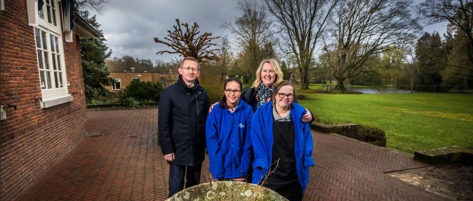 Nieuw dagbestedingscentrum 't Bouwhuis: 'Dit is wijk van Enschede' (artikel Tubantia)